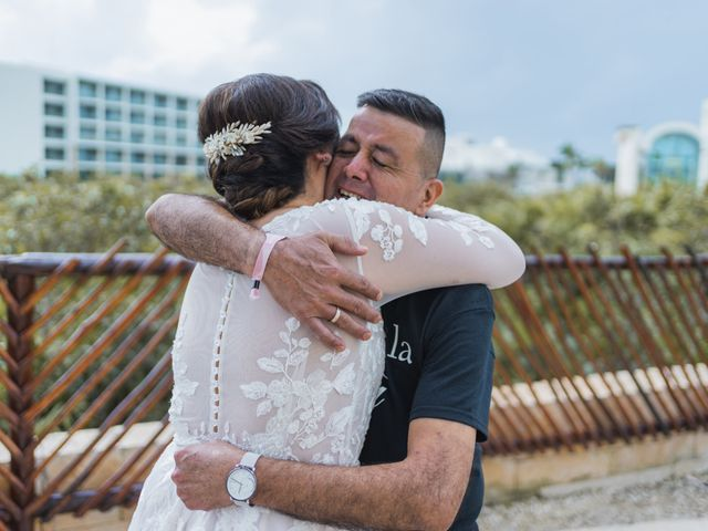 La boda de Jesús y Karina en Cancún, Quintana Roo 36