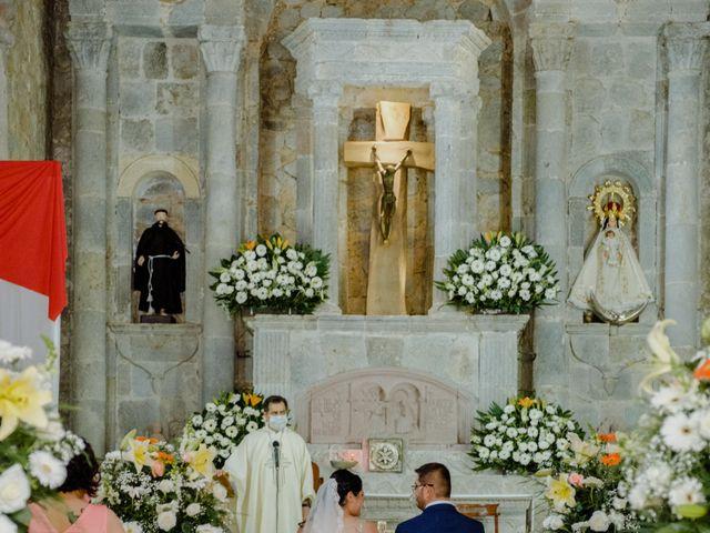 La boda de Joaquin y Daniela en Zitácuaro, Michoacán 33
