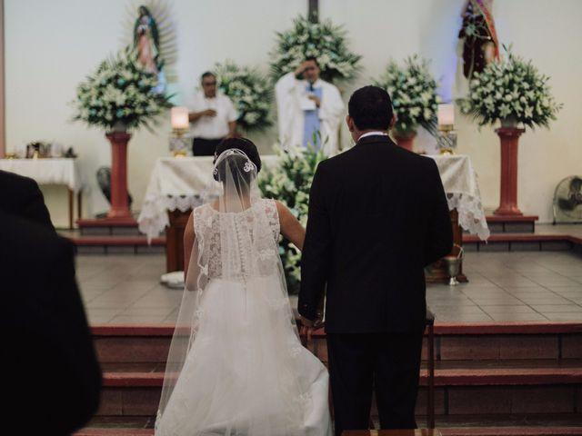 La boda de Adrian y Laura en Tapachula, Chiapas 12