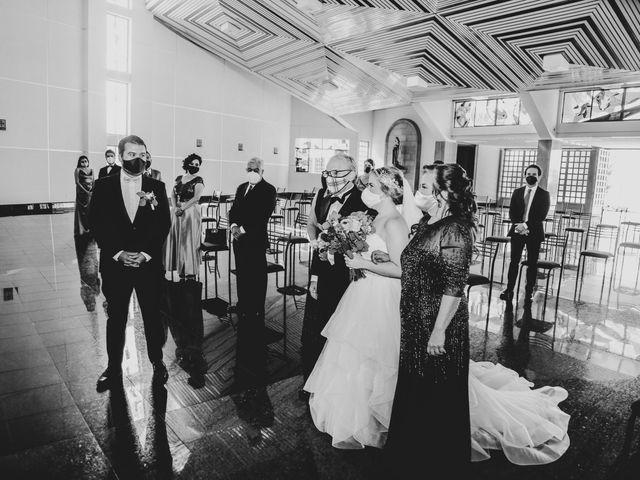 La boda de Carlos y Monica en Guanajuato, Guanajuato 26