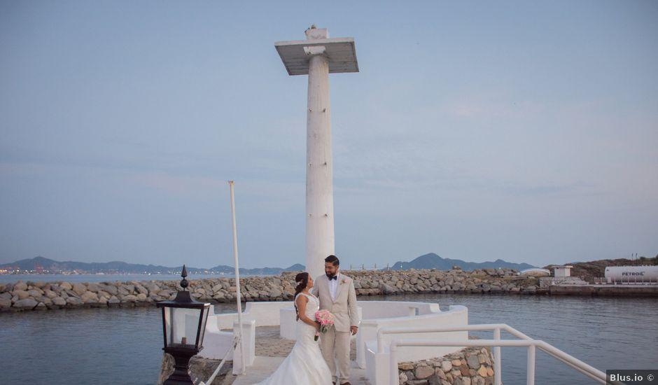 La boda de Héctor y Aricel en Manzanillo, Colima