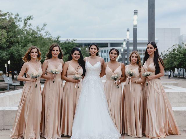 La boda de Marco y Brenda en León, Guanajuato 37