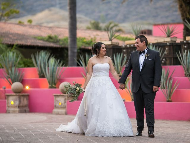 La boda de Diego  y Cen  en Tlajomulco de Zúñiga, Jalisco 31
