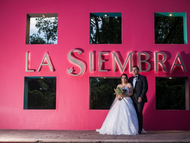 La boda de Diego  y Cen  en Tlajomulco de Zúñiga, Jalisco 33