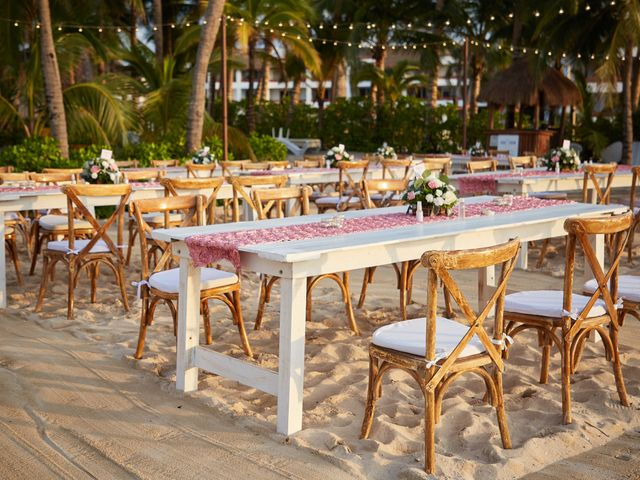 La boda de Marcos y Dayana en Cozumel, Quintana Roo 35