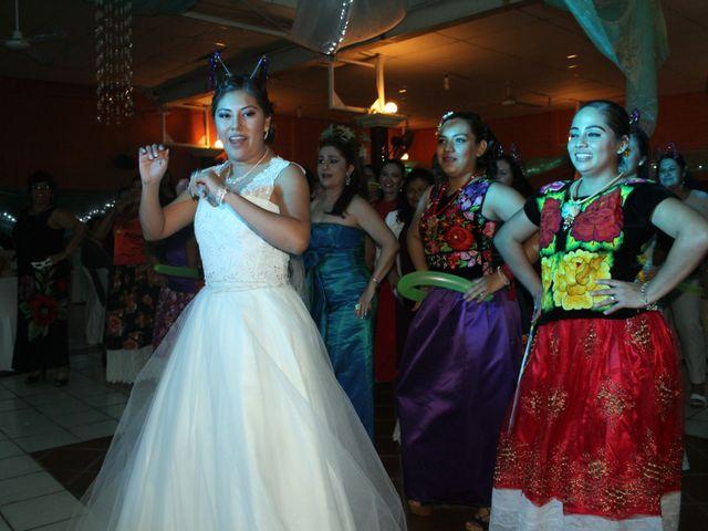La boda de Luis y Sarahi en Coatzacoalcos, Veracruz 3