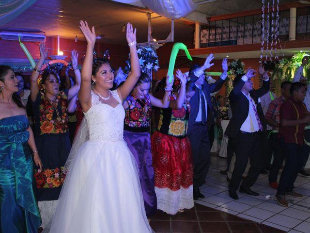 La boda de Luis y Sarahi en Coatzacoalcos, Veracruz 4