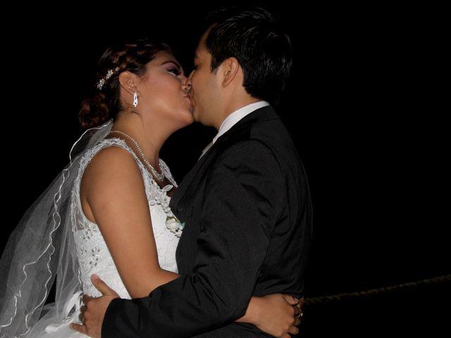 La boda de Luis y Sarahi en Coatzacoalcos, Veracruz 12