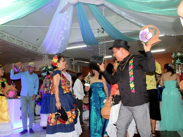 La boda de Luis y Sarahi en Coatzacoalcos, Veracruz 16