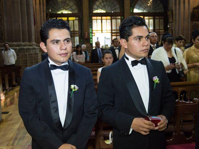 La boda de Fer y Wendy en Metepec, Estado México 24