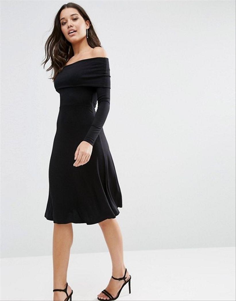 Vestido negro corte chanel