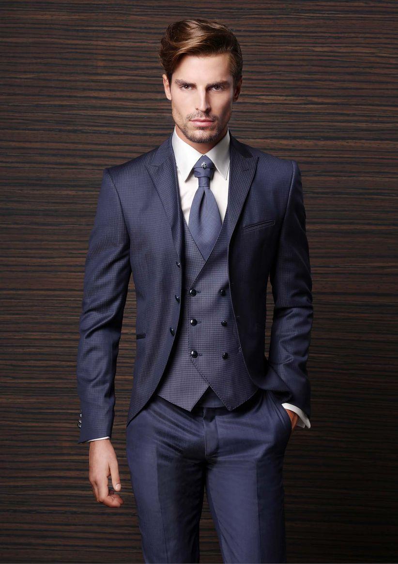 45 trajes de novio azules: el color de los diseñadores - bodas.com.mx