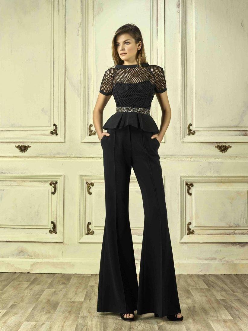 4bd9d0f7f4 Invitadas con pantalones  Palazzo y jumpsuit