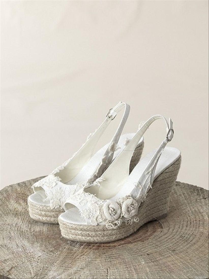 Los zapatos ideales para una boda en la playa for Zapatos para boda en jardin