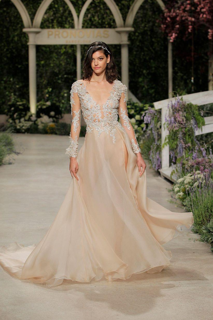 42e873639f 15 tendencias en vestidos de novia 2019  ¡estas son las más ponibles ...