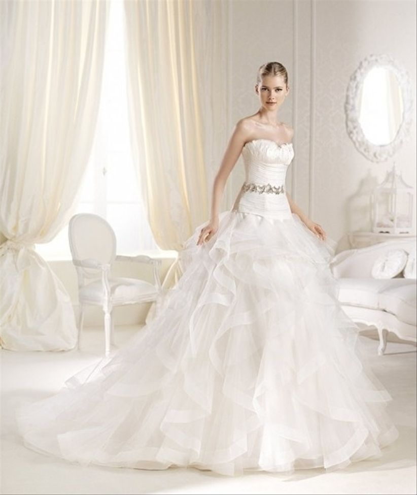f9220cb60 El vestido perfecto para novias altas - bodas.com.mx