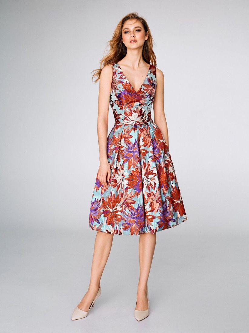 32887583d4 Cómo vestirte para una boda  el código de la invitada perfecta ...