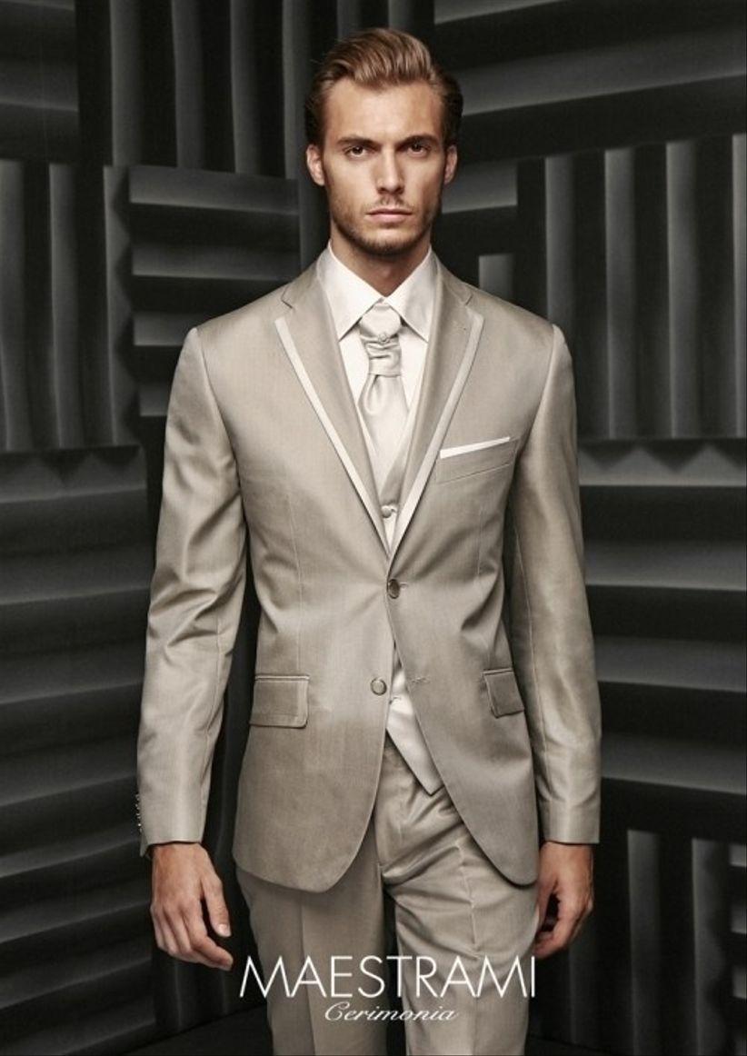 10 opciones de traje para el novio for Trajes de novio blanco para boda
