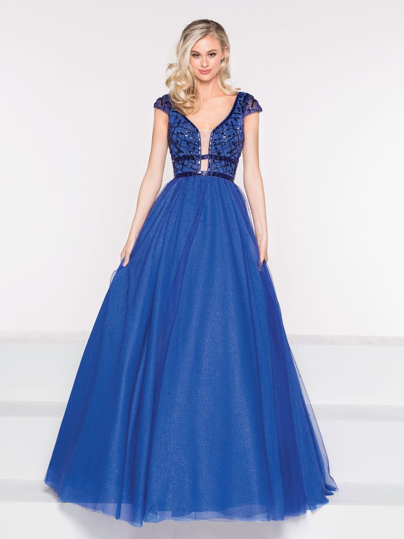 bf3cdb790 45 vestidos de noche azul rey para brillar como invitada - bodas.com.mx
