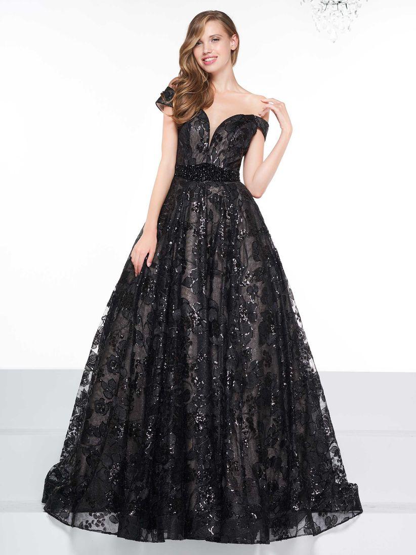 29b7684ace 60 vestidos de noche negros... ¡sí