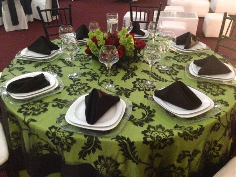 Toda la manteler a para tu boda for Manteles mesas grandes