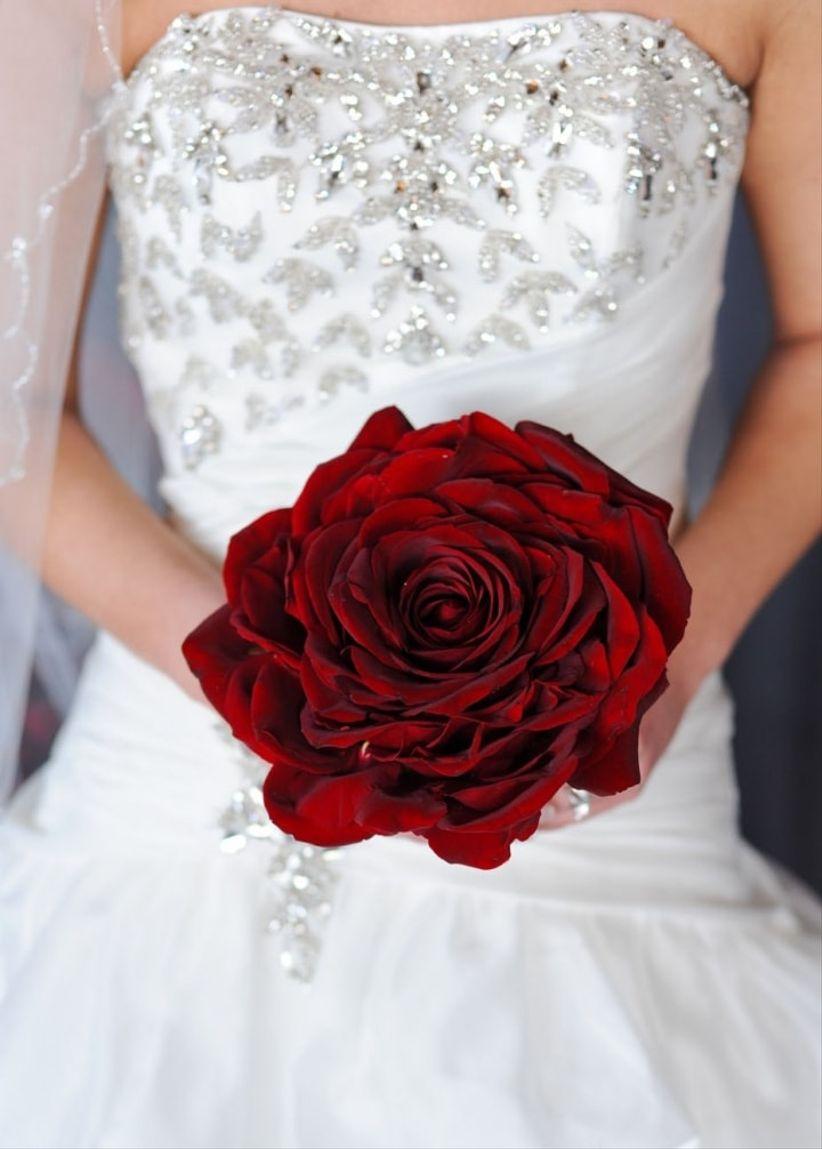 Flores blancas de la boda Rojo y