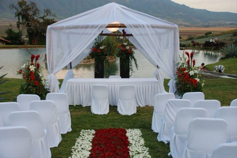 10 caminos al altar for Decoracion boda civil jardin