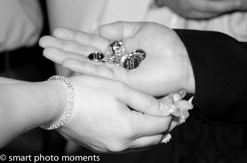 Matrimonio Simbolico Significado : El significado e historia de las arras boda bodas mx