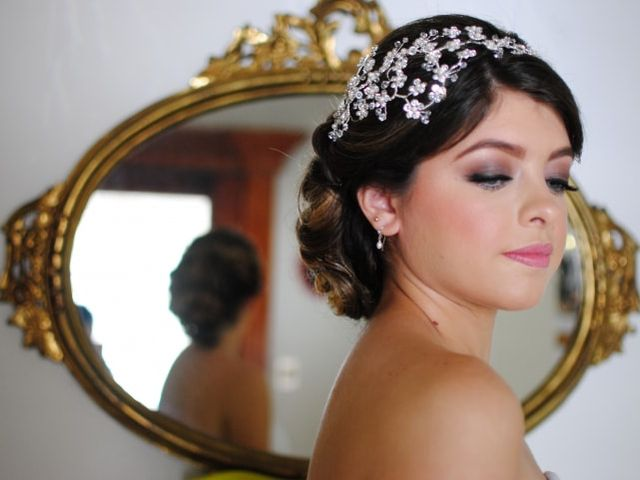 Consejos para elegir el tocado según tu vestido de novia
