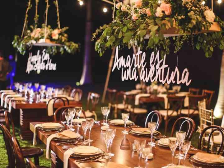 8 temas en los que basar los nombres de las mesas del banquete