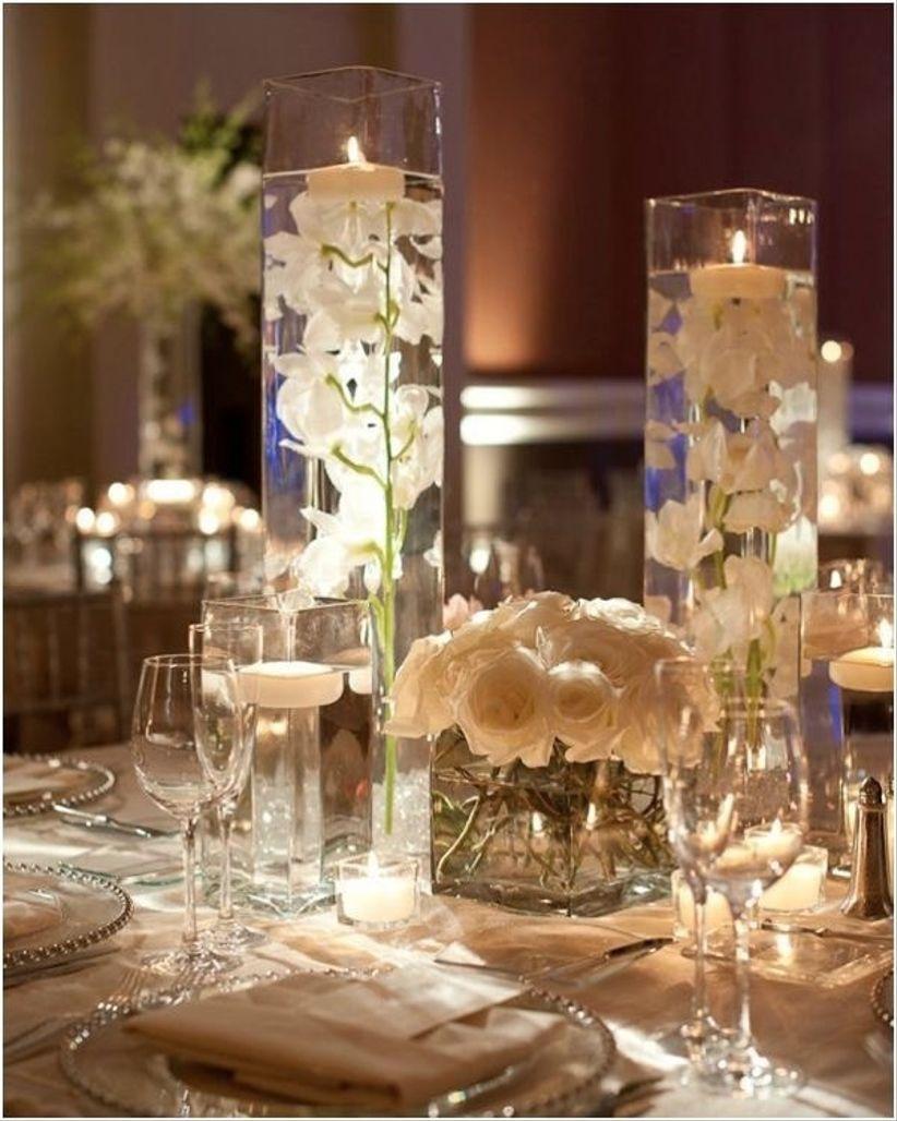 30 centros de mesa para boda sencillos y encantadores for Decoracion de bodas economicas
