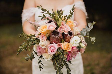 16 flores que triunfan en los ramos de novia primaverales