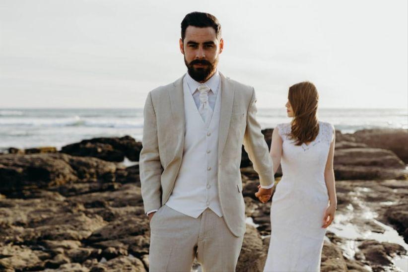 0dad09cf87 Look del novio para una boda en la playa  vístete de pies a cabeza ...