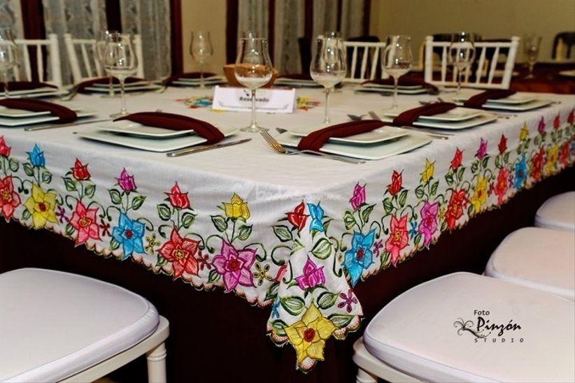 Una boda muy mexicana - Manteles originales ...