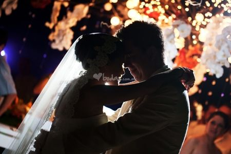 Aprender a bailar el vals de boda