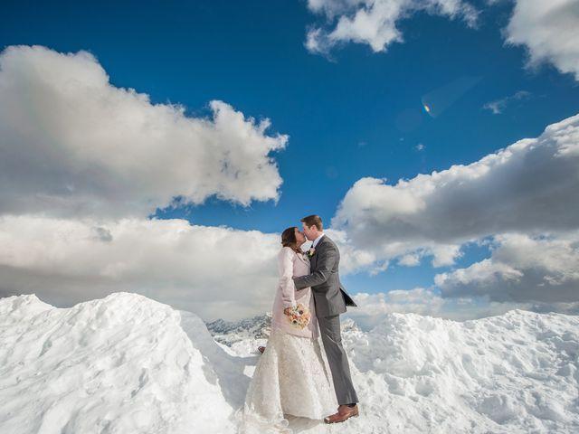 Kim y James, una boda idílica entre la nieve y las nubes