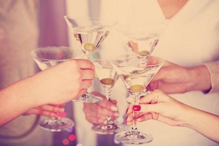 ¿Cómo tratar con los invitados mala copa?