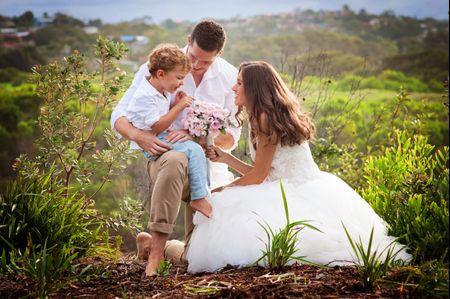 Novios con hijos en la boda