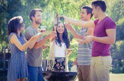 ¿Cómo integrar a tu novio con tus amigos?