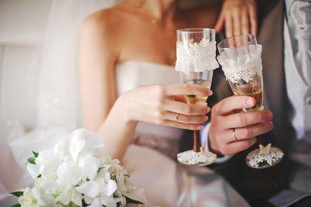 Copas personalizadas para beberse su matrimonio a sorbos