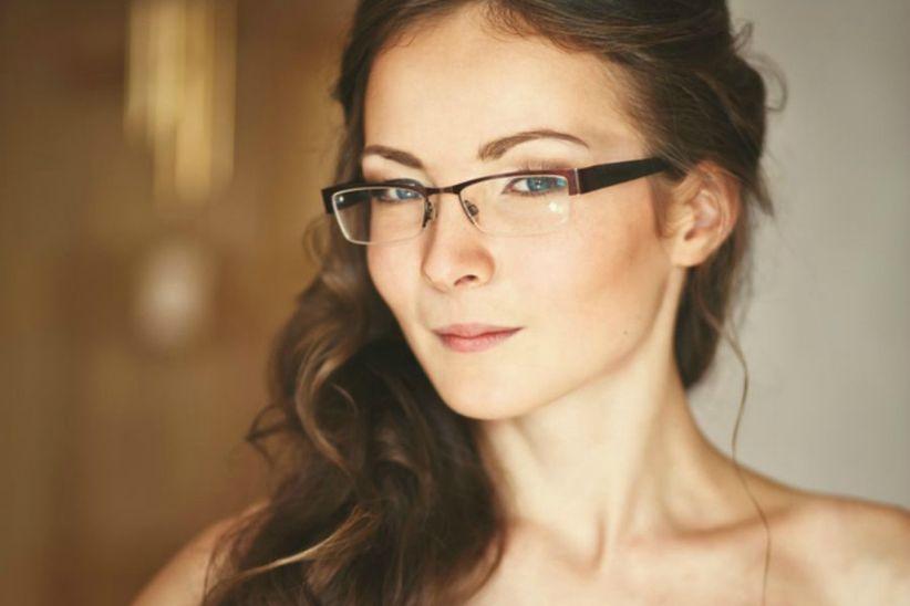 fdc8a7d959a94 El primer paso es elegir el estilo de tus lentes  ¿quieres que se vean o  los prefieres invisibles  Llevar lentes de contacto es lo más adecuado si  quieres ...
