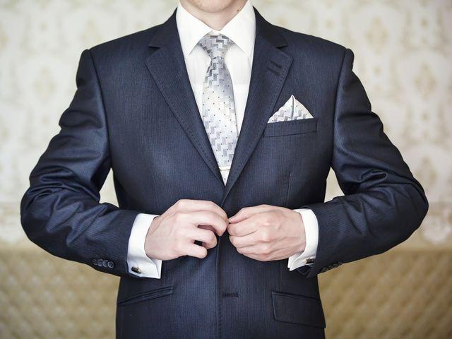 El novio y su prueba del traje
