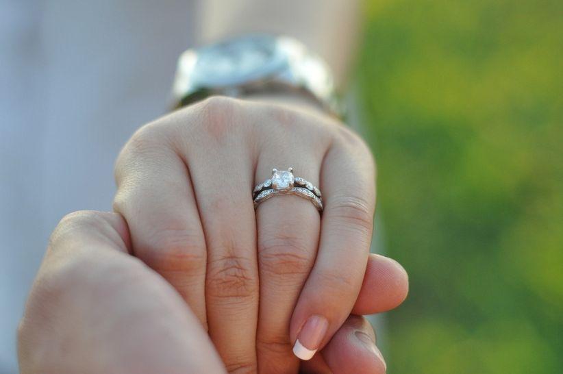 6f0a19ee1cc5 Todo era emoción y felicidad cuando tu novio te pidió que se casaran… hasta  que abrió la cajita del anillo de compromiso. Si el ejemplar elegido no te  ...