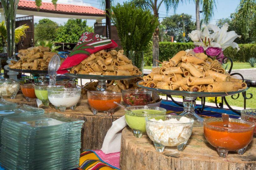 9 platillos econ micos para tu banquete de boda for Comida rapida para invitados