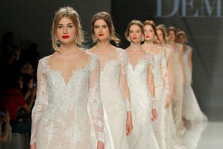 La combinación más romántica: vestidos de novia Demetrios 2018
