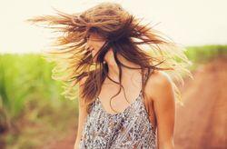 7 productos de tu despensa para darle brillo a tu cabello