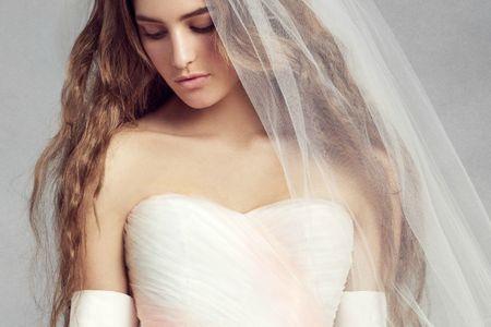 ¿Qué escote te favorece más? Consulta la guía de David's Bridal