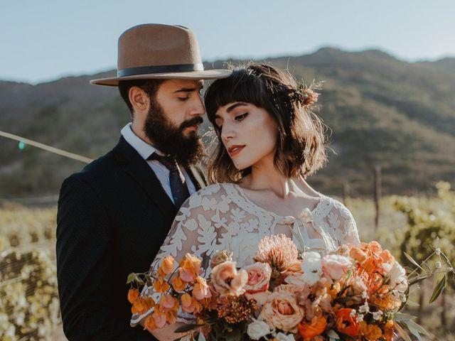 Novios con sombrero: aprende cuál llevar en la boda