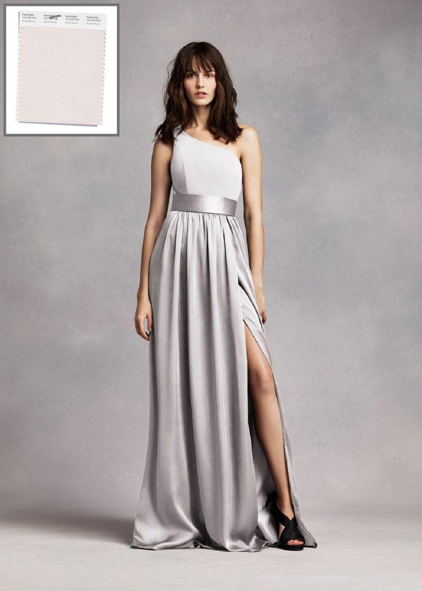 fd8989197 David s Bridal  White by Vera Wang. Pensarás que este tono es perfecto para  vestidos ...
