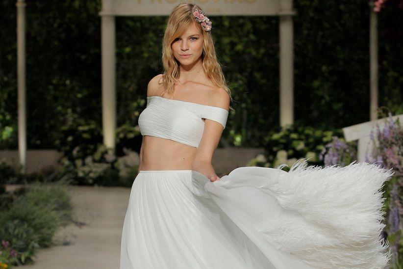 plumas, esa tendencia que sobrevuela vestidos y accesorios de novia